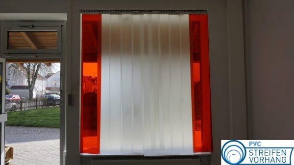 PVC Streifenvorhang mattiert mit Signalstreifen